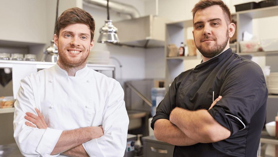 Två eSmiley-kunder, nöjda över senor-lösningen